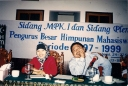 Sidang MPK I dan Pleno II PB HMI di Selabintana Sukabumi dari kiri Ana, Bahruddin Dahlan