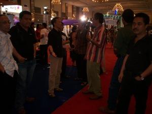 dari kiri ke kanan Rahardjo, Amril Gobel, Pepih Nugraha, Agus Chandra, Hendra, Ragile, Unang Muchtar, Ichwan Kalimasada (dwiki dok files)