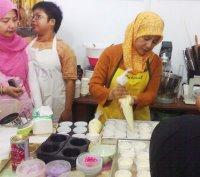 Fatma Bahalwan kanan (aneka-kuekeringku.blogspot.com)