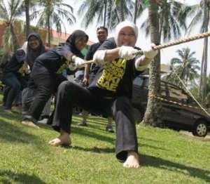 paling depan Nurul Hidayati Outing Detikcom Anyer Banten
