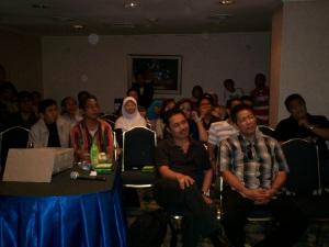 Peserta Temu Bloggger Kompasiana Terhipnotis Wejangan Pakde Pray (dwiki dok files)