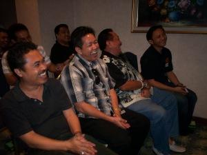 """""""Tawa Lepas"""" depan dari kiri Ichwan Kalimasada, Hony, Pakde Pray, Junanto (dwiki dok files)"""