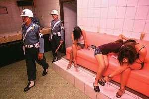 TNI Sweeping Anggotanya yang Nakal di Dolly (www.jawapos.co.id)