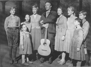 Keluarga Besar Kapten Georg von Trapp (www.afi.com)