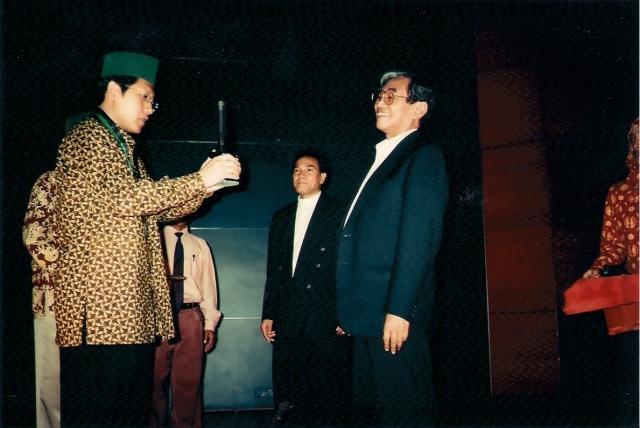 Nurcholish Madjid: Integritas Tak Diragukan (dwiki dok) Penyerahan HMI Award Oleh Anas Urbaningrum
