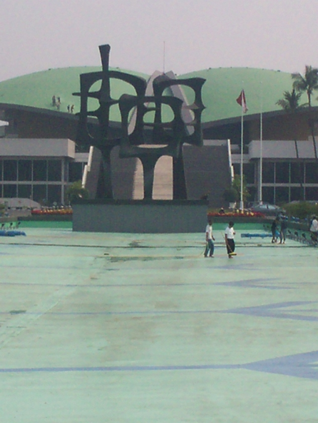 Renovasi Kolam Renang Kompleks DPR-RI (dwiki dok)