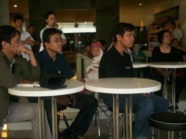 Peluncuran Buku Chappy Hakim dan Peserta Kopdar III Kompasiana 03 (dwiki dok)