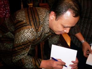 Direktur Eksekutif LSI Kuskridho Ambardi (dwiki file)