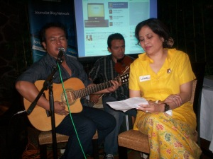 Acara Bukber Kompasiana depan dari kiri Jodhi Yudono dan Linda Djalil (dwiki file)