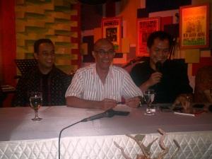 Diskusi Kahmi Pro Network dari kiri Anies Baswedan, Geis Chalifah dan Indra J. Philiang (dwiki file)