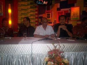 Diskusi Kahmi Pro dari kiri Ray Rangkuti, Anies Baswedan, Geis Chalifah, Indra J Piliang dan M Ikhsan Modjo (dwiki file)