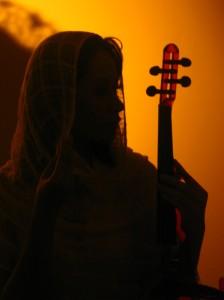 Maylaffayza Mysterious Desert Violinist (http://maylaffayza.multiply.com)
