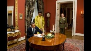 Barack Obama dan Hadiah Nobel Perdamaian Tahun 2009-8 (official white house photo by pete souza)