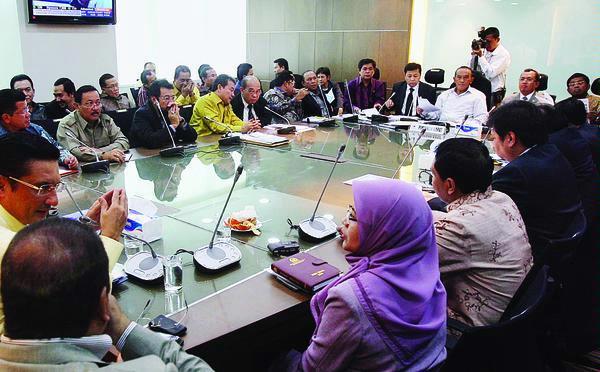 Pertemuan Konsultasi DPP Partai Golkar di Ruang Rapat FPG DPR-RI (Totok Wijayanto www.kompas.com )