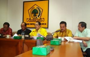 Konferensi Pers Komisi IV FPG DPR (dwikis file)