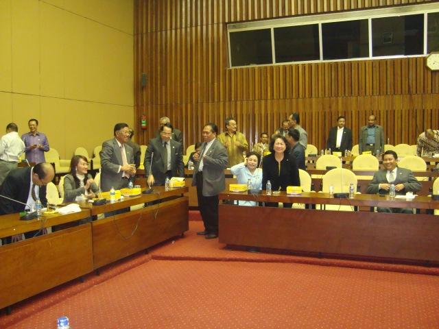 Rapat Pleno FPG DPR-RI 3 Maret 2010 04 (Dwikis Dok)
