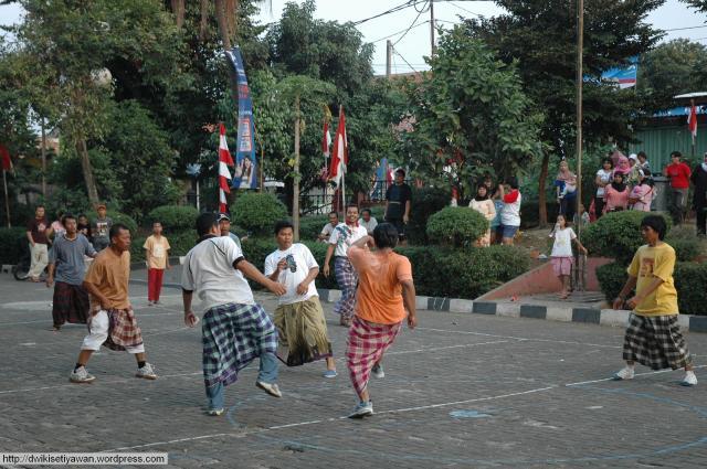 Sepak Bola Sarung HUT Kemerdekaan RI (Dwikis Dok)