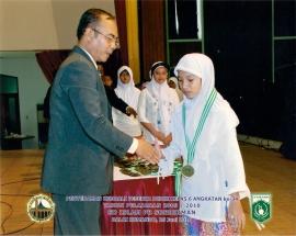 Kepala SD Islam PB Soedirman H Suhardi SAg dan Chiara Sabrina Ayurani