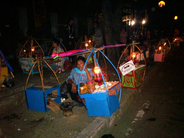 Penjual Kerak Telor Pekan Raya Jakarta 01 (Dwikis Dok)