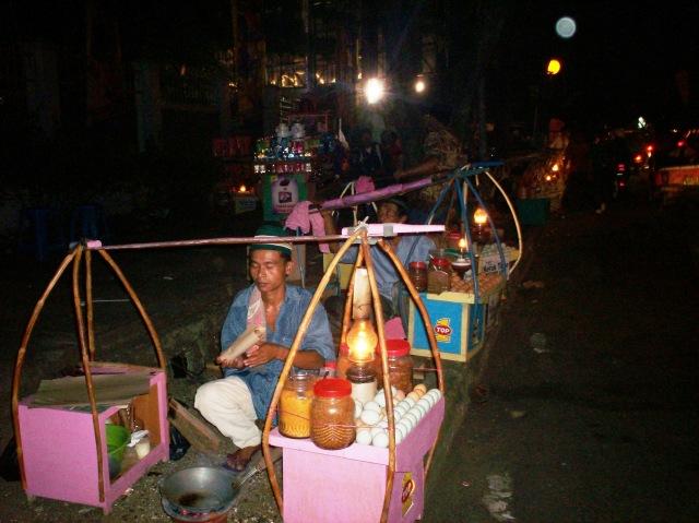 Penjual Kerak Telor Pekan Raya Jakarta 02 (Dwikis Dok)