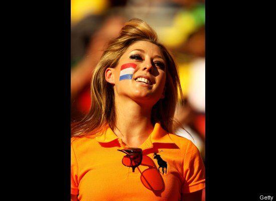 Suporter Cantik Sepak Bola Belanda 02 (http://www.huffingtonpost.com)