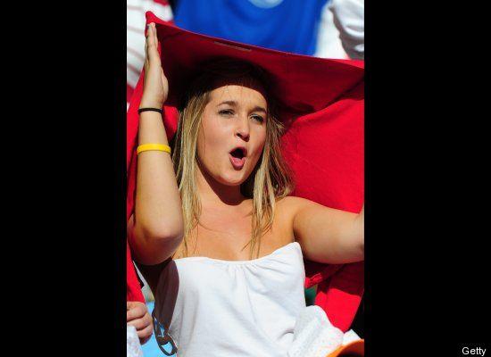 Suporter Cantik Sepak Bola Belanda 01 (http://www.huffingtonpost.com)