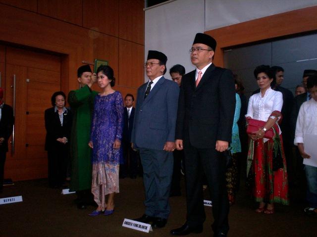 Pelantikan Tiga Anggota DPR-RI PAW (Foto: Dwikis)