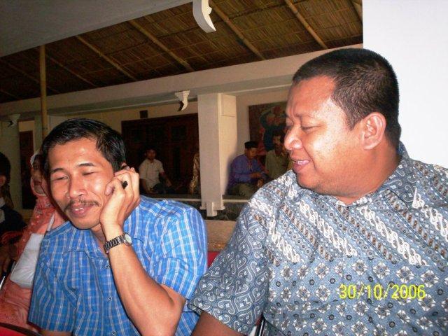kiri ke kanan Dwikis dan almarhum Yanuar Ahmad (Foto: Dwikis)
