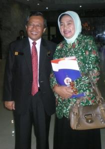 Ravik Karsidi dan istri