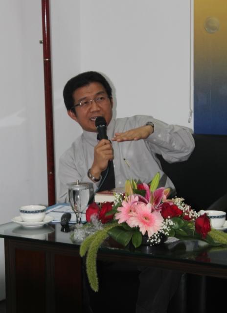 Dr. Muliaman D. Hadad