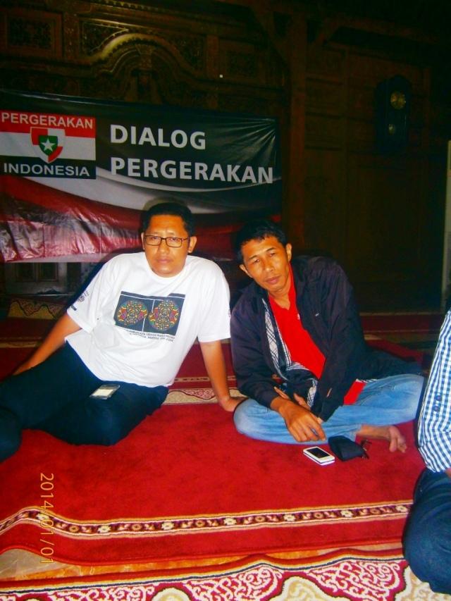 Anas Urbaningrum dan Dwiki Setiyawan di Rumah Pergerakan