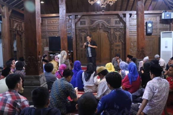 Ramadhan 1434 Hijriah bersama Anas Urbaningrum