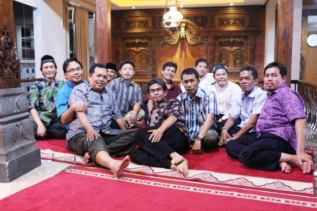 Sebagian Tim Sukses Anas Urbaningrum 1997 di Rumah Pergerakan Duresn Sawit Jaktim