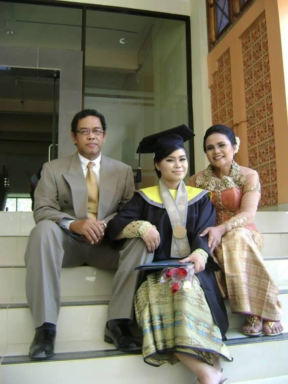 kiri ke kanan: MT Arifin, Puteri Herbandari Kusdinah dan Wahjani Mudji