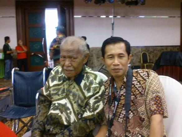 Almarhum Agussalim Sitompul dan Dwiki Setiyawan di Munas IX KAHMI Pekanbaru Riau 2012
