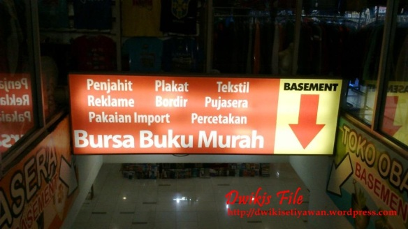Bursa Buku Baru, Bekas dan Langka Blok M Square Jakarta Selatan