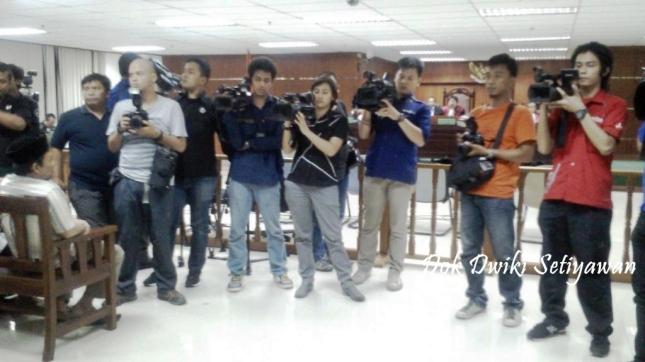 wartawan-peliput-persidangan-anas-urbaningrum-pengadilan-tipikor