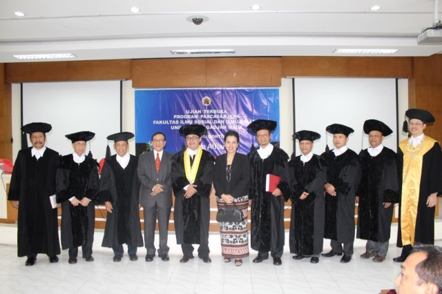 Dr. Ir. Akbar Tandjung, Dr. M. Alfan Alfian, Krisnina Akbar Tandjung dan Guru Besar Fisipol UGM Jogja