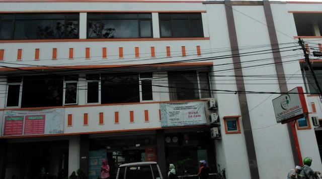 """Poliklinik """"Budhi Pratama"""" Jl. Raya Tengah Gedong Pasar Rebo Jakarta Timur - Melayani dengan Ikhlas"""