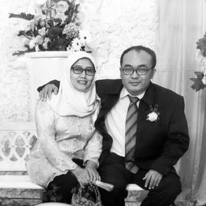 Suami Istri Pasangan Dr. M. Alfan Alfian dan Alfiasih
